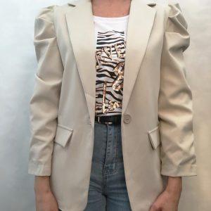 blazer manga abullonada color piedra